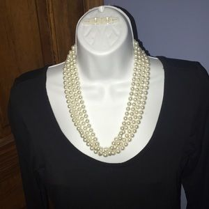 """Jewelry - 90"""" faux pearl strand"""